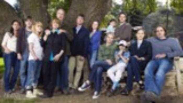 ATX TV Festival Sets Up 'Parenthood' Reunion | THR News