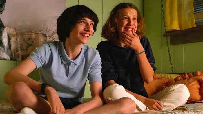 Stranger Things Season 3 on Netflix - BLOOPERS