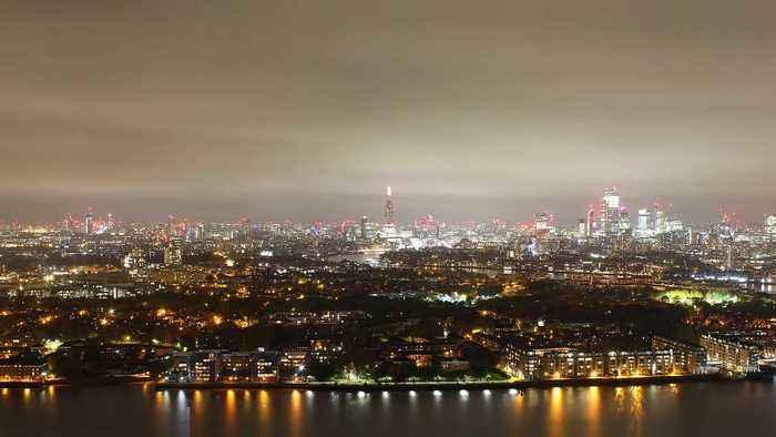 Timelapse of London's skyline on Bonfire Night