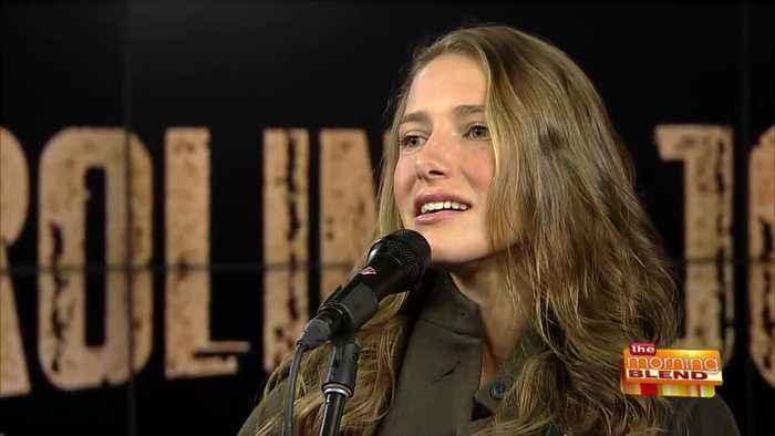 Rising Country Music Star Caroline Jones