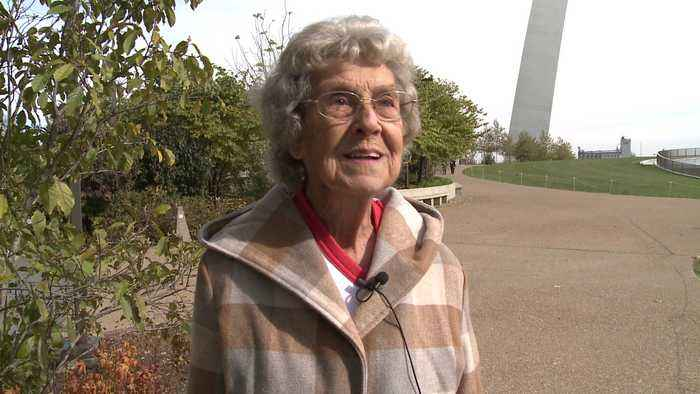 Ohio Grandmother Visits Gateway Arch in St. Louis on Final Stop to See Every National Park