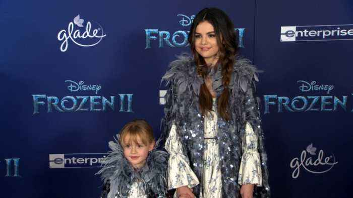 Selena Gomez, Kristen Bell At 'Frozen 2' World Premiere