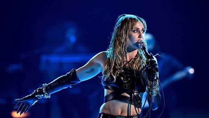 Miley Cyrus reportedly recovering after undergoing vocal cord surgery