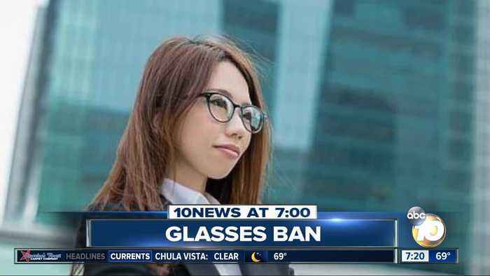 Women banned from wearing glasses at work?