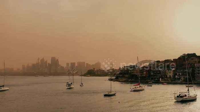 Sydney landmarks shrouded in haze due to bushfires