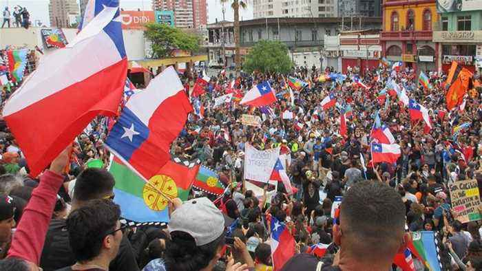 Chile workers unions strike in support of ongoing protests