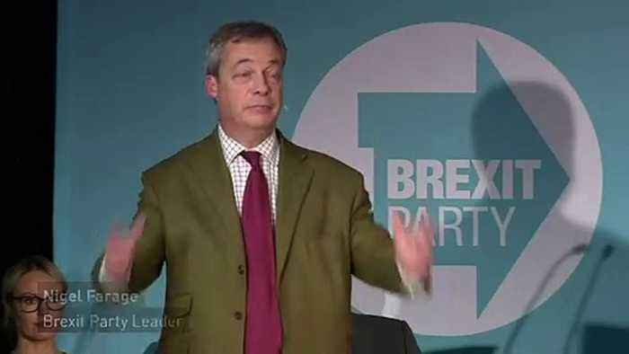 Farage likens Boris Johnson to a puppy during Grimsby rally