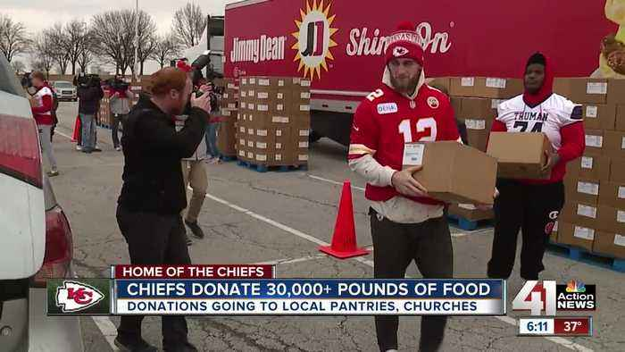 Kansas City Chiefs donate more than 30,000 pounds of food