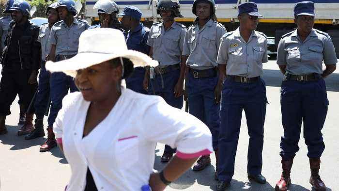 Zimbabwe doctors strike: Hundreds fired