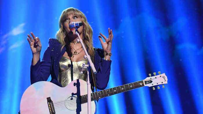 Taylor Swift's Team Backs Up Her Story Against Big Machine Records