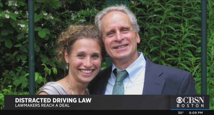 Committee Reaches Compromise On Distracted Driving Bill In Massachusetts