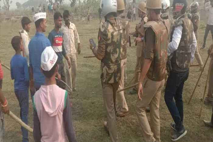 Farmers' protest over compensation turns violent in Unnao, UP I OneIndia News