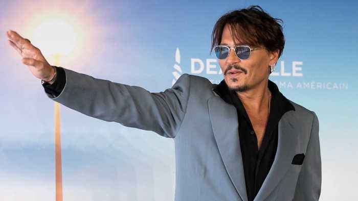 Johnny Depp reportedly splits from dancer girlfriend