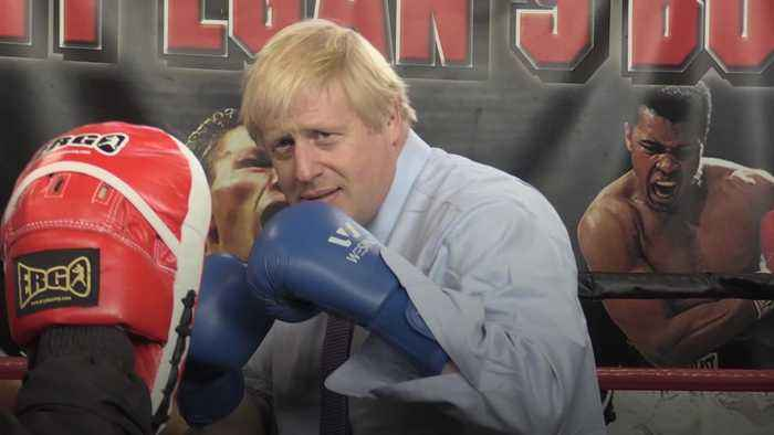 Johnson shows right jab in sparring visit to Manchester