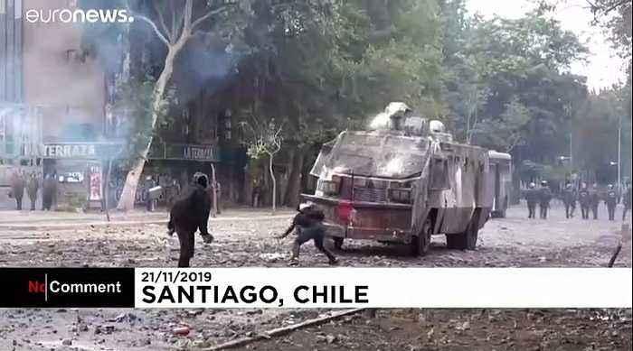 Protests continue in Santiago despite reforms proposals