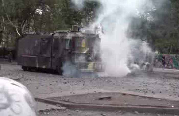 Protesters skirmish with security forces in Santiago
