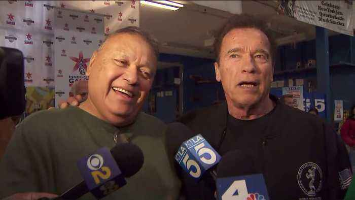 Former Gov. Schwarzenegger Helps Give Away Turkeys, Food Baskets to Southern California Residents