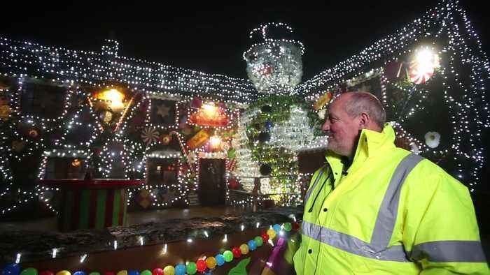 Britain's most festive pub transformed into The Gingerbread Inn with 60,000 lights