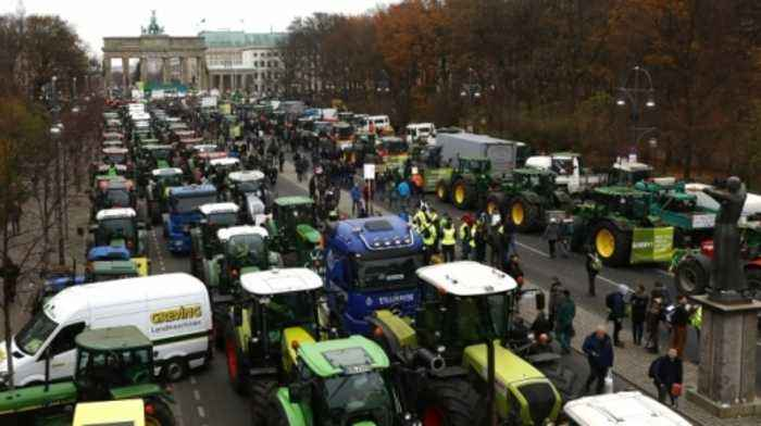 Thousands of tractors park in protest across EU