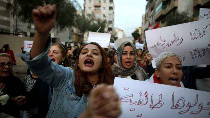 Lebanese face-off at civil war flashpoint as tensions rise