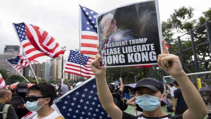 Hong Kong: Thousands gather to thank US for human rights bill