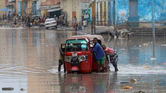 Kenyan flood rescue missions hindered by havoc