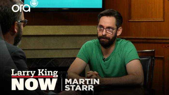 'Party Down' reunion, breaking into acting, and 'Silicon Valley' -- Martin Starr answers your social media questions
