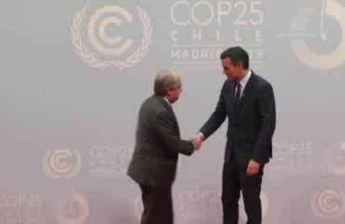 Spain's Sanchez greets leaders arriving for climate talks