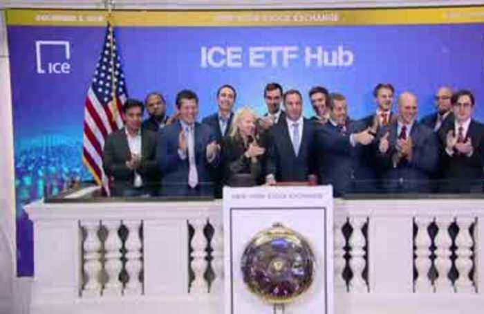 Wall Street falls as trade hopes wane