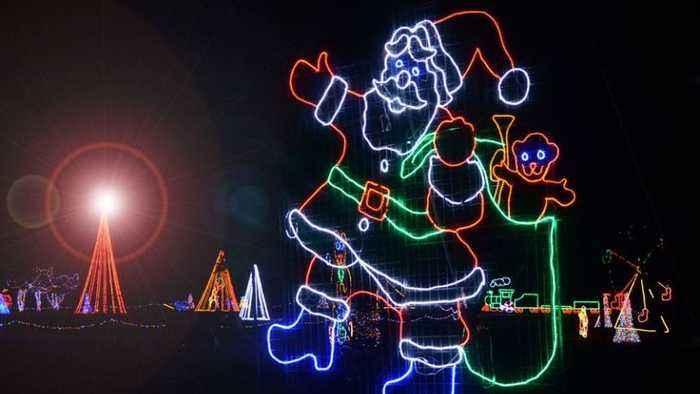 Take a sleigh ride through Christmas in the Park at Longview Lake