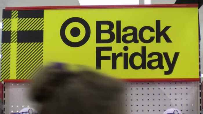 RETAILERS HOPE TO CAPITALIZE ON HOLIDAY WEEKEND DEALS