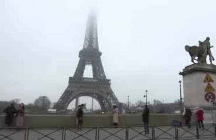 Massive French strike prompts Eiffel Tower closure