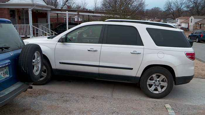 Oklahoma Woman Steals Car with Teen Girl Locked Inside