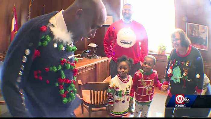 Kids at Operation Breakthrough make KC mayor's ugly Christmas sweater