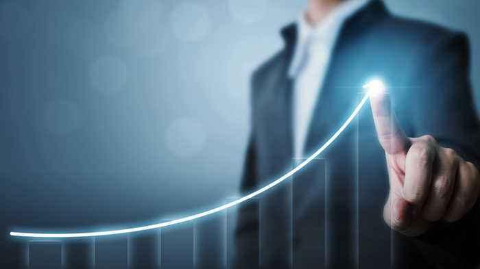 Jim Cramer: Cable News Is Ignoring Positive Economic News