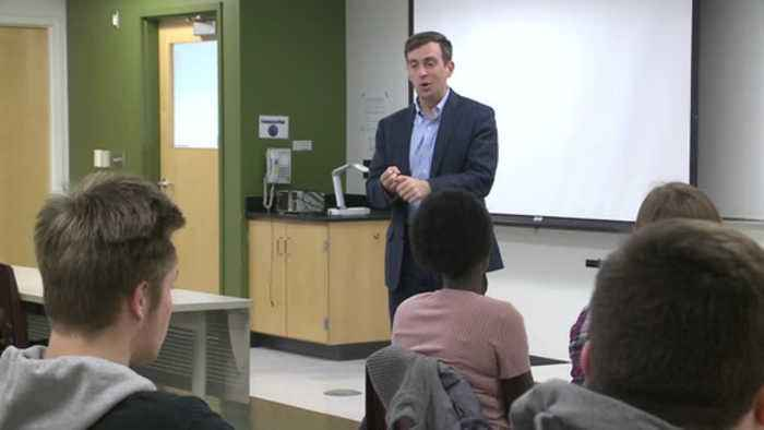 Minnesota 1st district candidate Dan Feehan talked with Winona state students and faculty today