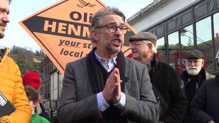 Steve Coogan campaigns for Lib Dems in Lewes