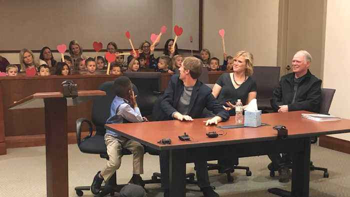 Kid Invites Entire Kindergarten Class To His Adoption Hearing