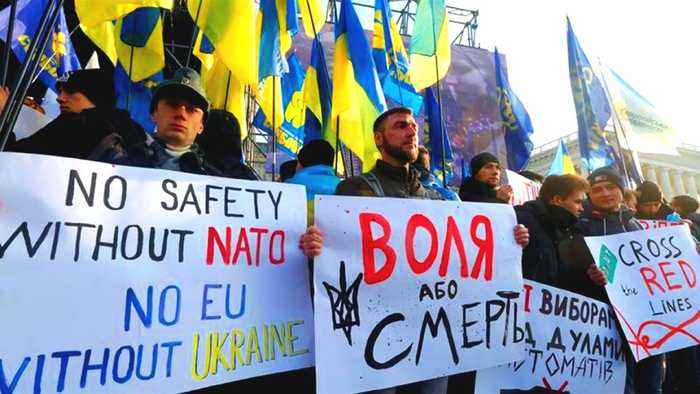 'No capitulation': Ukrainians rally before Russia summit