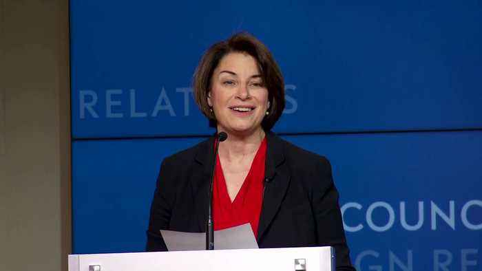 Klobuchar: Trump 'coddling' Putin makes 'Russia Great Again'