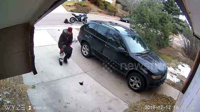 Caught with his pants down! Porch pirate suffers wardrobe malfunction during bungling theft in Colorado