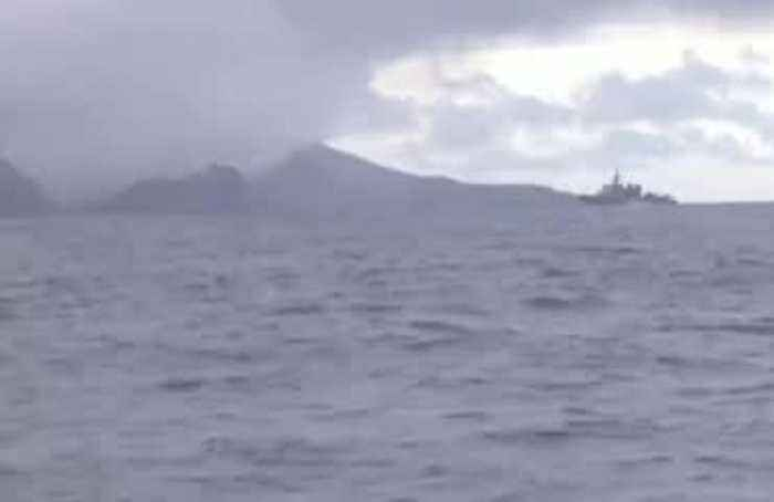 New Zealand retrieves bodies from volcanic island