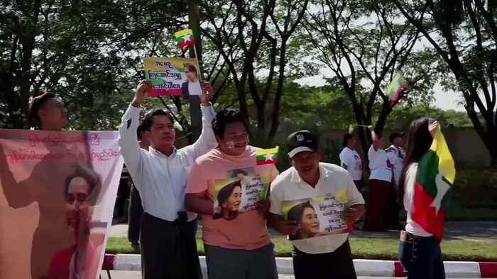 Hero's welcome for Suu Kyi's homecoming in Myanmar