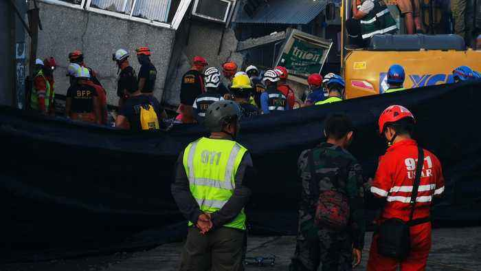 South Philippines earthquake: Rescuers race to find survivors