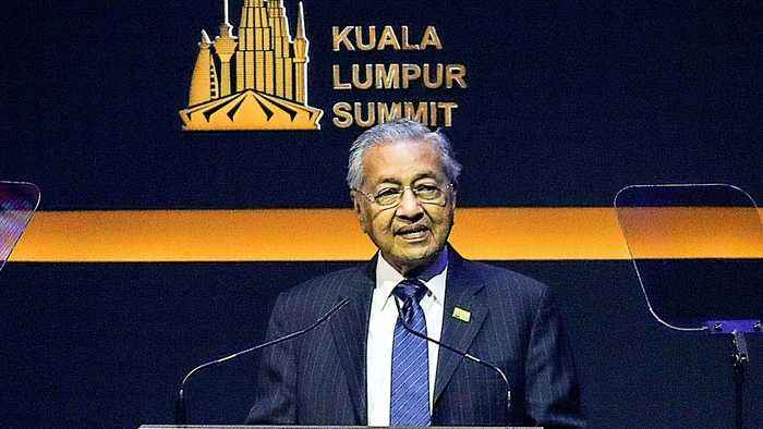 Mahathir Mohamad: Muslim world 'in a state of crisis'
