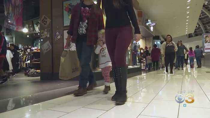 Last-Minute Holiday Shoppers Spent An Estimated $34 Billion On Gifts Over Weekend