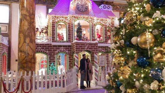 gngerbread chrstmas cubcle chrstmas offce decor.htm live gingerbread house news one news page  live gingerbread house news one news page