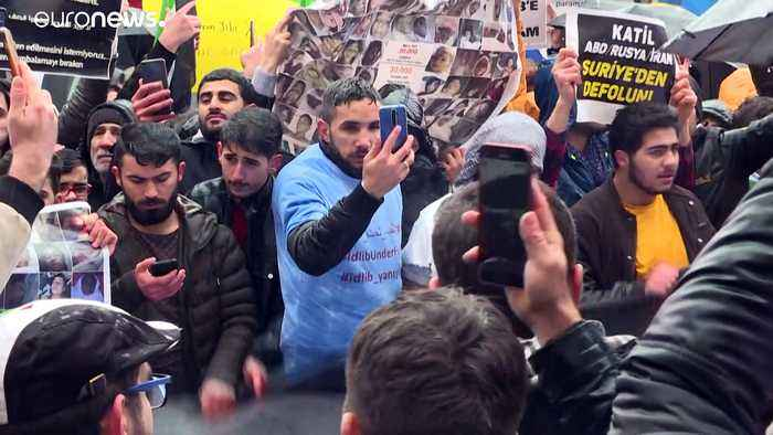 Hundreds of Syrians in Turkey protest outside Russian consulate