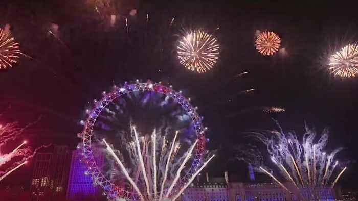 London kicks off the roaring 20s with football anthems as UK marks new year