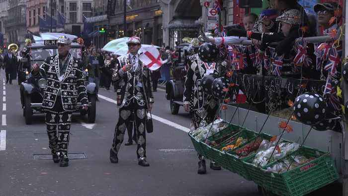 Thousands line the streets for London's New Year's Day parade